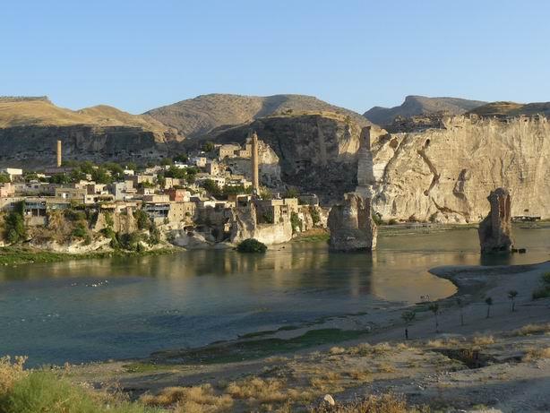 Antiguo puente de Hasankeyf