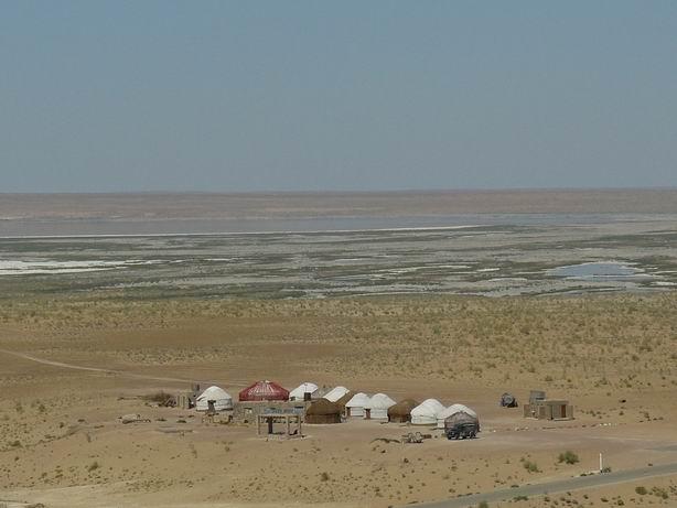Campamento de yurtas para disfrute del turista