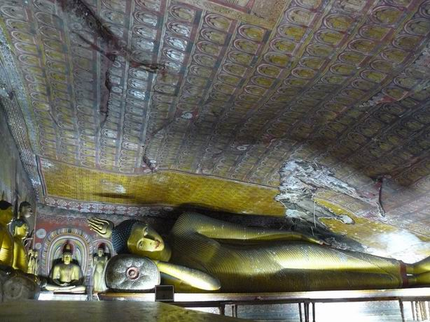 Buda reclinado en Badulla