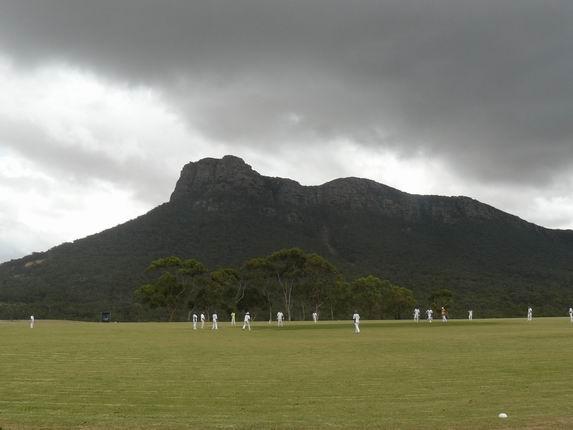 Entrando a las Grampians, jugando al Cricket